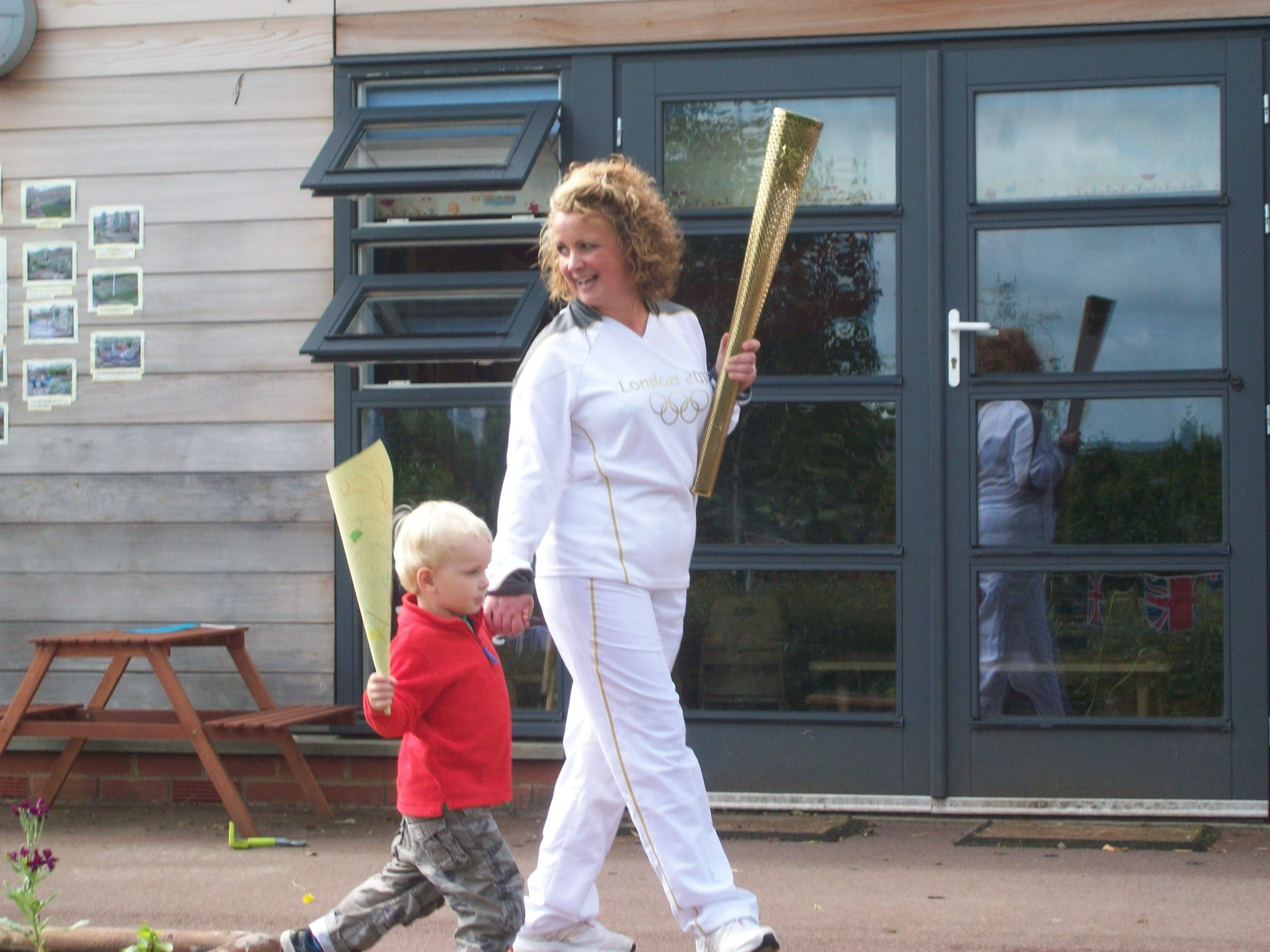 Kids 1st Hexham walk for Parkinson's with the torch